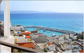 Agia Galini: View of the port from the Ariadne Apartments